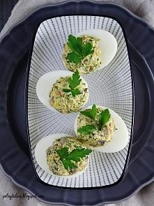 Przekąski na imprezę - jajka faszerowane pieczarkami