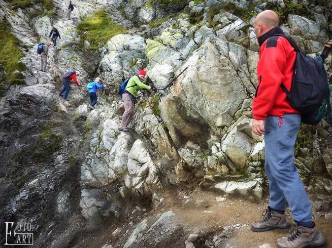 Górska wspinaczka w Tatrach. Szlaki w górach.