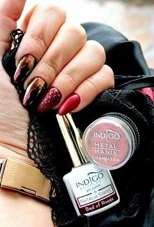 Bordowe paznokcie - Kliknij...