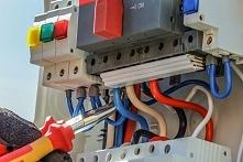 Co oznaczają kolory przewodów elektrycznych? Poradnik dla złotej rączki