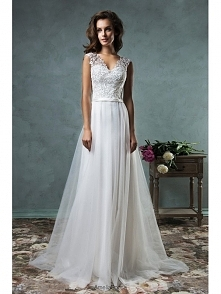 A LINE V NECK BUTTON BACK SLEEVELESS LACE BEACH WEDDING DRESS dressbib.com