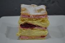 CIASTO JAKUBA Ciasto: 3 szkl. mąki 1 margaryna 6 żółtek 1 proszek do pieczeni...
