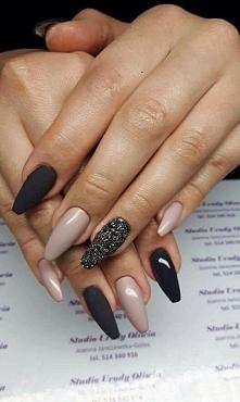 black &nude