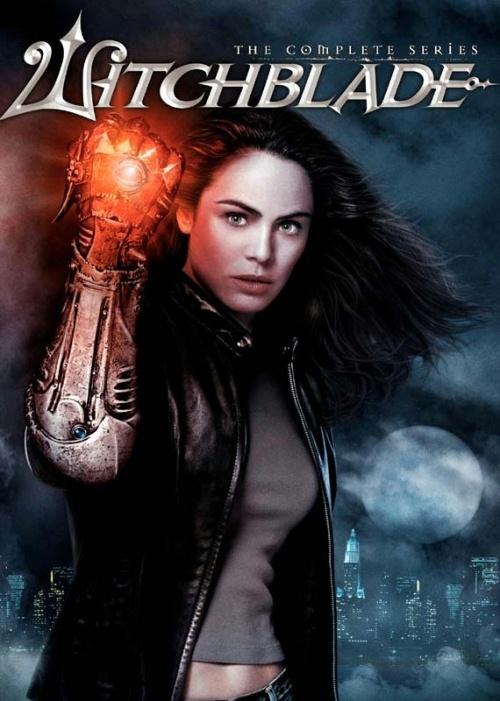 Witchblade(2001-2002)   Serial, oparty na komiksie o tym samym tytule, opowiada o detektyw Sarze Pezzini, pracującej w nowojorskim wydziale zabójstw. Dzięki starożytnemu artefaktowi, tytułowemu Witchblade, zyskuje ona nadludzkie moce, które pomagają jej rozprawiać się z przestępcami.