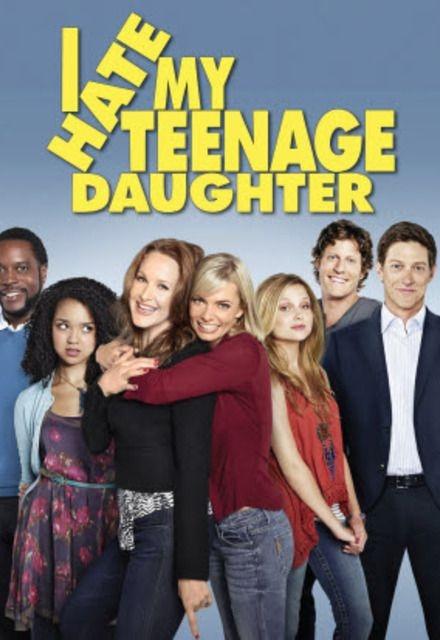 Jak ja nie znoszę mojej córki(2011)  Serial opowiada o dwóch kobietach - Annie (Jaime Pressly) i Nikki (Katie Finneran), które są wieloletnimi przyjaciółkami. Bohaterki odkrywają, że ich córki są tak wredne jak dziewczyny wyżywające się na nich w młodości, więc postanawiają przywołać je do porządku.
