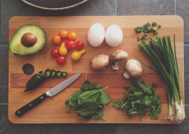 Węgle białka i tłuszcze - jak komponować posiłki i w jakich proporcjach?  Czytajcie na blogu!: )