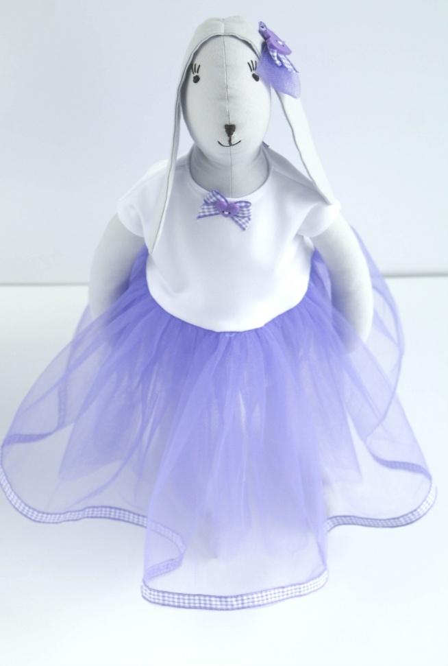 Zając Tilda w tiulowej lawendowej sukience