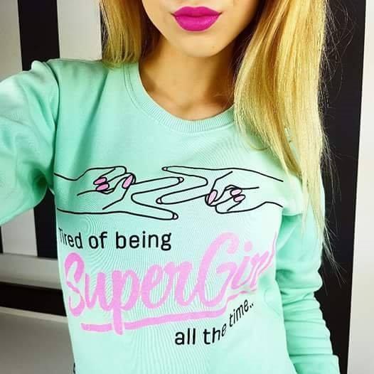 Super Girl! Brokatowy Nadruk!  Która dziewczyna jest Super Girl? Przyznać się! Nie stój w tłumie wyjdź na przód w końcu jesteś Super Girl!