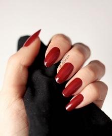 moje naturalne, uwielbiam czerwień na paznokciach <3