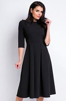 Awama A159 sukienka czarna Elegancka sukienka, wykonana z jednolitego materiału, rozkloszowany krój