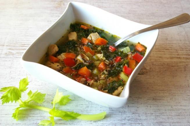 lekka-zupa-warzywna-z-indykiem