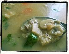 Zupa grzybowa z kaszą jęczmienną (wegańska) - po przepis, kliknij na fotkę