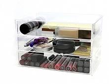 Organizer na kosmetyki - komoda na trzy szuflady.