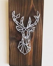 Jeleń bardzo pasuje do drewna ;)