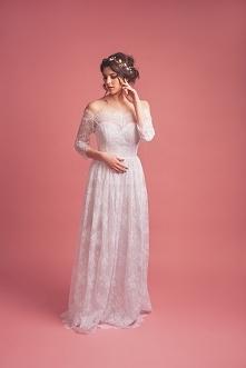 Suknia ślubna w stylu boho.