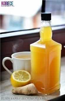 SYROP IMBIROWO-MIODOWY....Idealny na przeziębienie! - 2,5 szklanki wody, - jeden spory korzeń imbiru, - jedna duża cytryna , - szklanka miodu, - ewentualnie 1/2 szklanki cukru j...