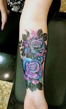 tatuaże damskie róże na ręce