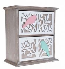 Szafka z dwoma szufladkami z drzewkiem i kolorowymi ptaszkami na gałęzi. Szafka posiada dwie niewielkie szufladki na drobiazgi. Całość wykonana z drewna + mdf. Doskonała do prze...