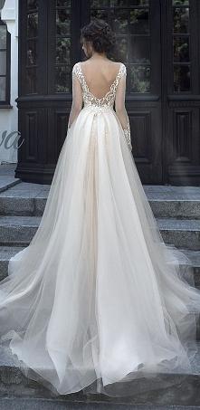 tył sukienki
