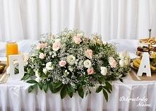 pudrowy róż i biel