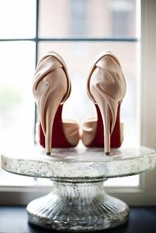 Portal Weselnapolska_pl Najpiękniejsze buty ślubne, inspiracje i pomysły.