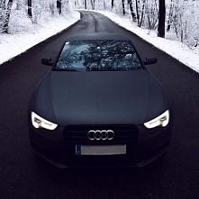 black Audi <3