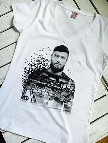 Koszulka z grafiką przedstawiająca zawodnika AZS Politechniki Warszawskiej i ...
