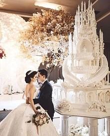 Piękny tort ♡♡♡