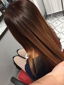 sombre brunette