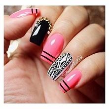 Aztecki manicure.