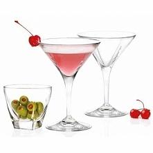 Stylowy zestaw sześciu kieliszków do martini w komplecie z dwiema miseczkami na oliwki.