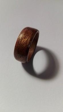 pierścionki z drewna