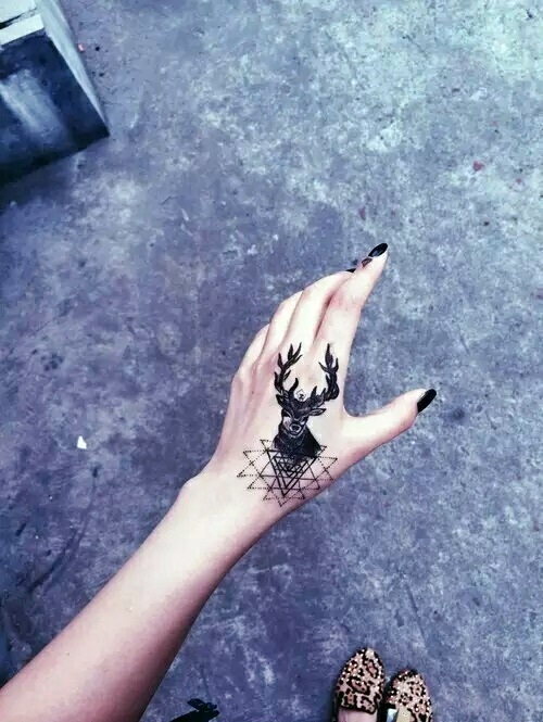 Najczęściej Tatuaż Z Jeleniem Oznacza Wolnośćdumę
