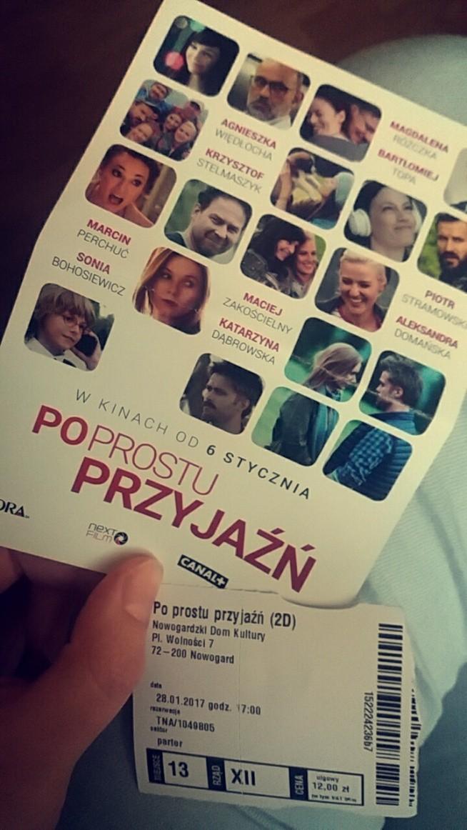 Polecam dawno nie oglądałam tak dobrego Polskiego filmu :)