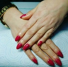 Semilac Glossy Cranberry 066 Pazurki wykonane przeze mnie :)