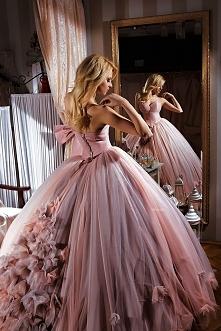 Piękny tył sukni :)