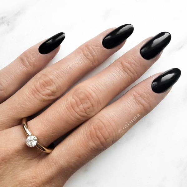 Czy według Was czarne paznokcie na co dzień są ok, czy to za mocny efekt?:)