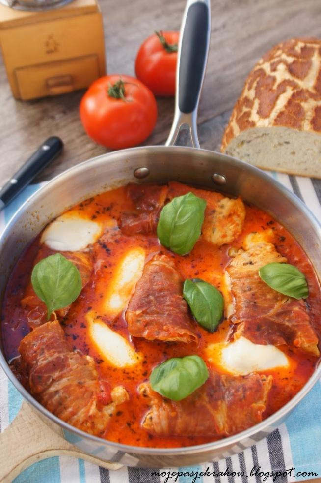 Kurczak po włosku w pomidorach z mozarellą, przepis po kliknięciu na zdjęcie.