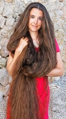 Poznajcie trik po którym włosy będą rosły jak szalone klikając w zdjęcie! <3