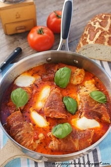 Kurczak po włosku w pomidorach z mozarellą