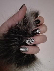 moje paznokcie (robione samodzielnie)