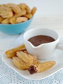 Jeżeli lubicie gniazdka, to pokochacie też cynamonowe churros z czekoladowym ...