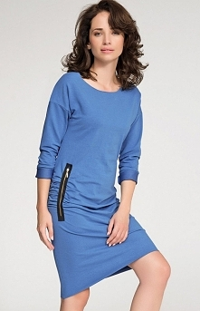 Numinou NU25 sukienka niebieska Casualowa sukienka,  wykonana z wysokiej jakości materiału dresowego, z długim rękawem