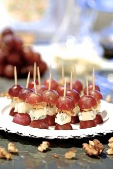 koreczki z winogron i gorgonzoli, przepis po kliknięciu na zdjęcie