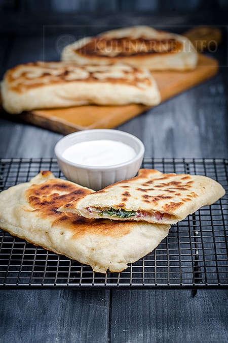 Turecki chlebek, przepis po kliknięciu w zdjęcie.