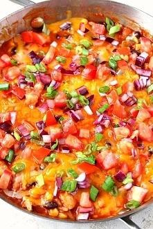 Kurczak zapiekany z ryzem i serem w sosie pomidorowym z salsa - przepyszne!!