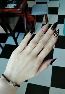 Zapraszam na paznokcie instagram: nailsbyminion