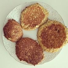 Placuszki owsiane z produktów które każdy ma w swoim domu :) Idealne na śniad...