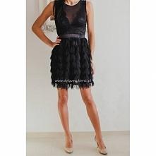 Czarna, koktajlowa sukienka...
