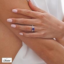 Srebrny pierścionek z niebi...